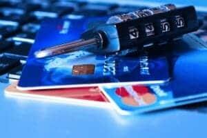 Mercado negro de cartões de crédito no Brasil
